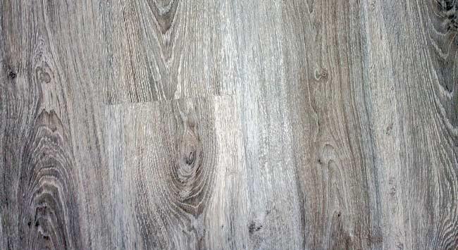 Underfloor heating under laminate flooring